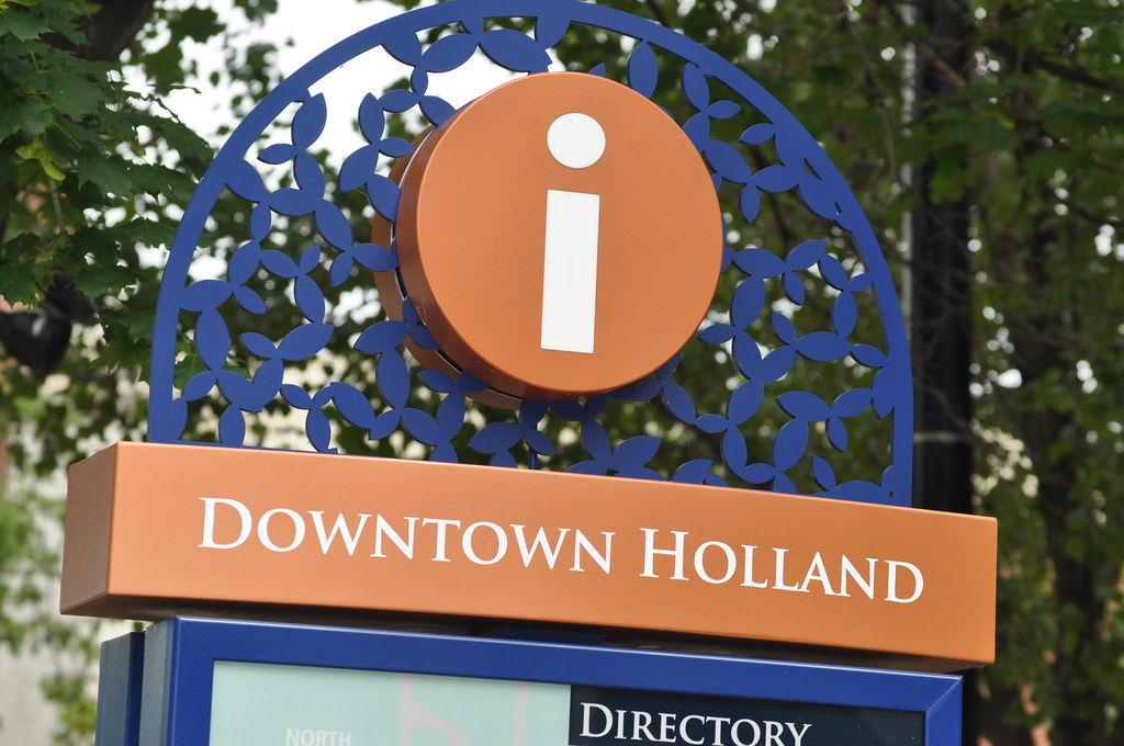 Photo of downtown holland mi entrance