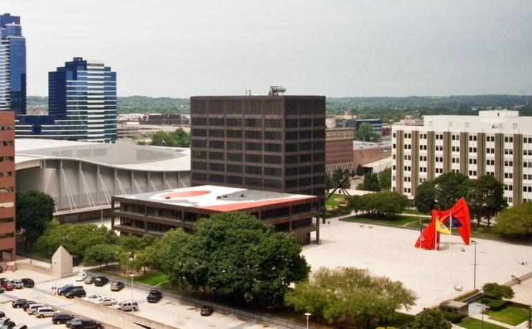 Image of grand rapids Michigan business district