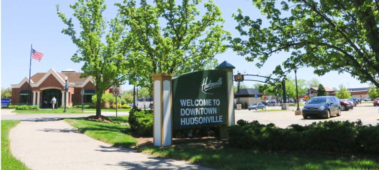Picture of downtown Hudsonville sign