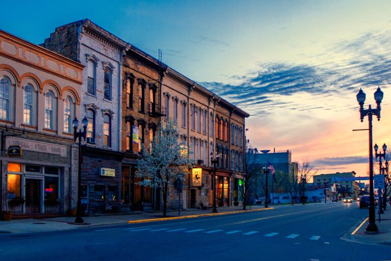 Image of downtown Lowell MI